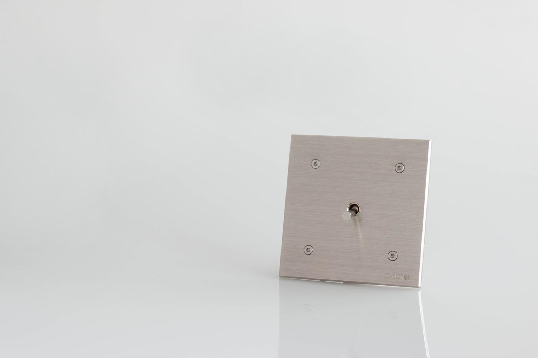 prises et interrupteurs haut de gamme d coratifs old. Black Bedroom Furniture Sets. Home Design Ideas