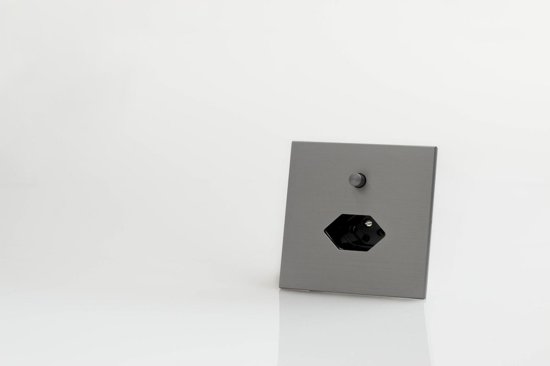 Swiss On Off interrupteur poussoir or noir brossé